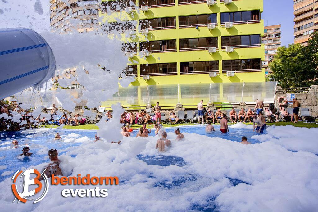 Benidorm Pool Party 01